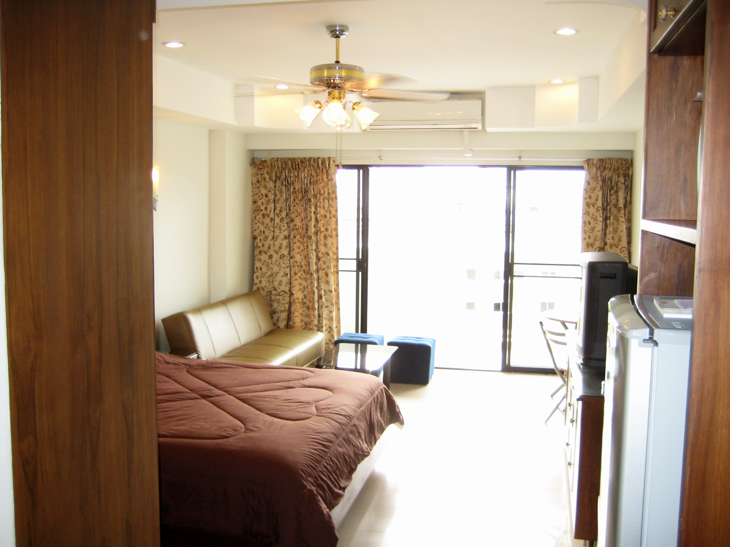 Hotel name gallery for Houses for sale with guest house on property